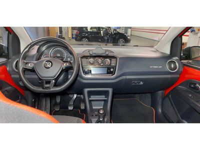 VOLKSWAGEN UP! 1.0 75 CROSS UP! - Miniature 4