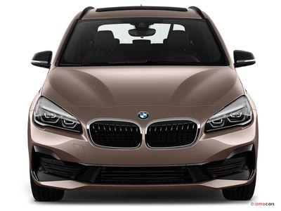Miniature de la BMW SERIE 2 ACTIVE TOURER M SPORT ACTIVE TOURER 225XE IPERFORMANCE 220 CH BVA6 5 PORTES à motorisation HYBRIDE RECHARGEABLE et boite AUTOMATIQUE de couleur BLANC - Miniature 3
