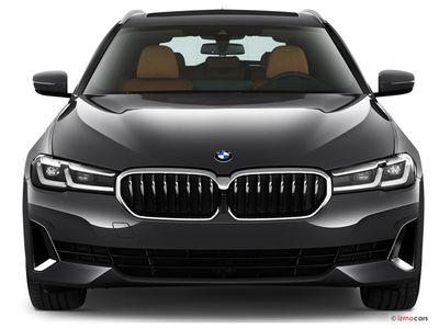 Miniature de la BMW SERIE 5 TOURING LOUNGE TOURING 530E TWINPOWER TURBO 292 CH BVA8 5 PORTES à motorisation HYBRIDE RECHARGEABLE et boite AUTOMATIQUE de couleur NOIR - Miniature 3