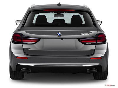 Miniature de la BMW SERIE 5 TOURING LOUNGE TOURING 530E TWINPOWER TURBO 292 CH BVA8 5 PORTES à motorisation HYBRIDE RECHARGEABLE et boite AUTOMATIQUE de couleur NOIR - Miniature 4