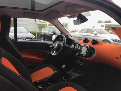 SMART FORTWO COUPE 71CH EDITION #1 - Miniature 3