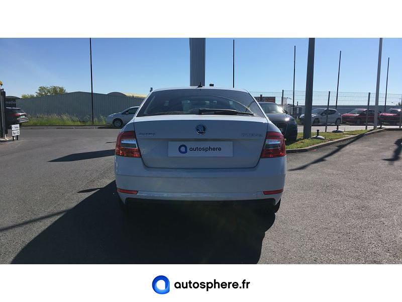 SKODA OCTAVIA 1.6 TDI 116CH CR FAP DRIVE - Miniature 4