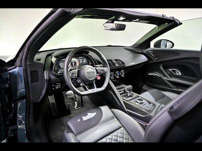 AUDI R8 SPYDER 5.2 V10 FSI 620CH PERFORMANCE QUATTRO STRONIC 7 - Miniature 3