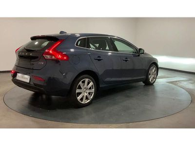 VOLVO V40 D2 120CH INSCRIPTION - Miniature 2