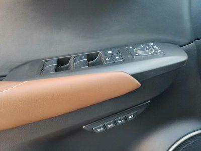 LEXUS NX 300H 4WD EXECUTIVE - Miniature 4