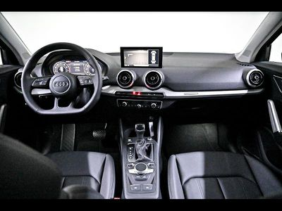 AUDI Q2 35 TFSI 150CH DESIGN LUXE S TRONIC 7 - Miniature 5