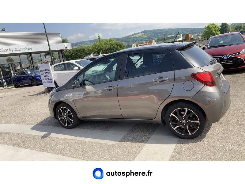 TOYOTA YARIS HSD 100H COLLECTION 5P - Miniature 3
